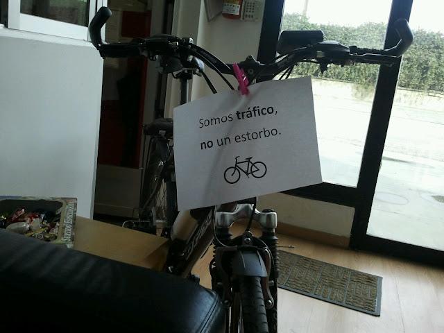 Marcha ciclista: NO a al prohibición de circular en bici por Gran Vía y Reyes Católicos 2012-12-16%252014.20.23