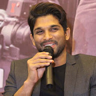 Allu Arjun At Sarrainodu Press Meet In Bangalore Pics