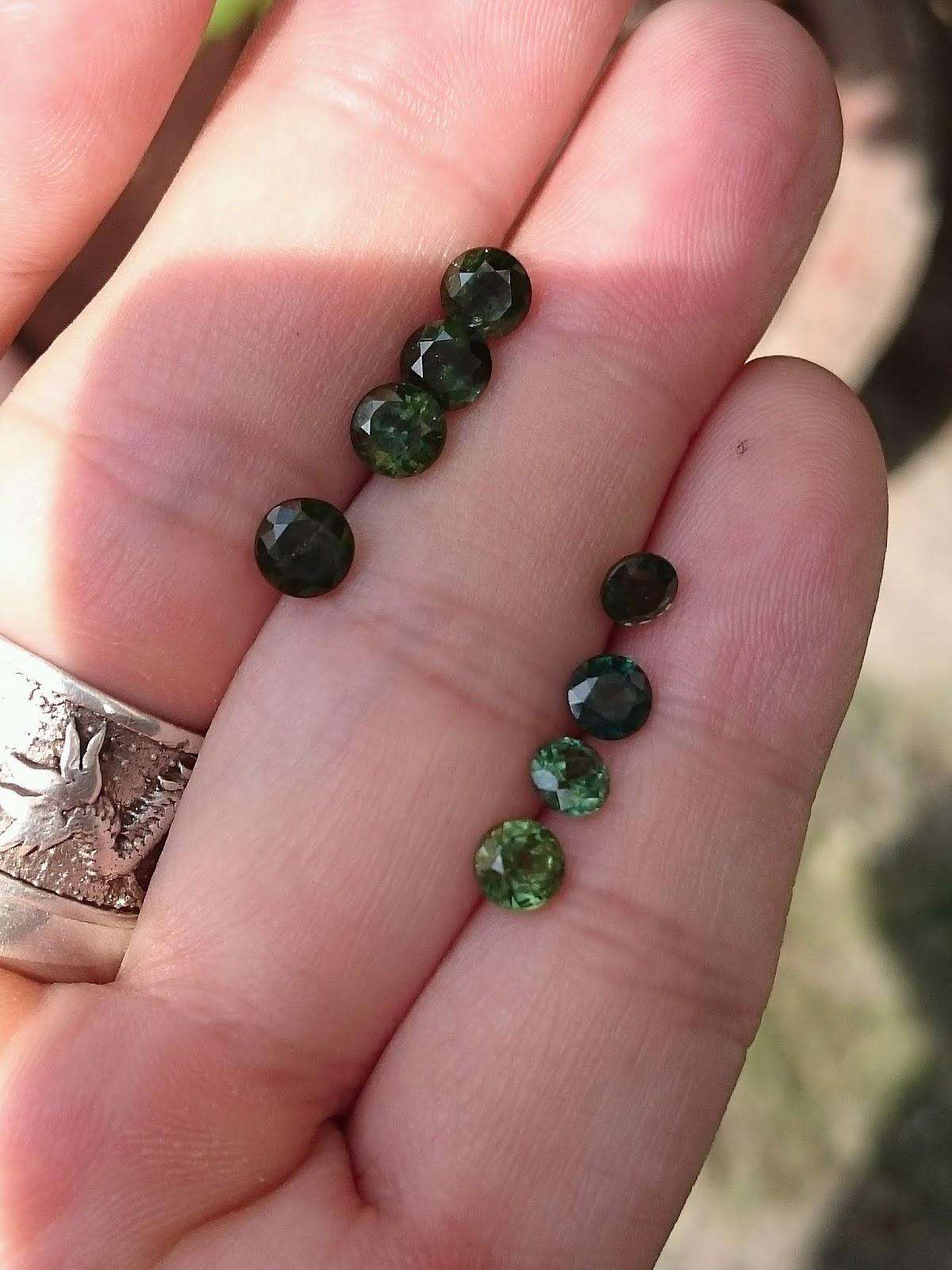 Đá quý Sapphire Buôn Hồ Việt Nam hàng tấm 3li - 5li