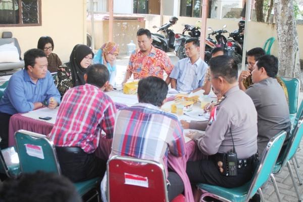 Berita foto video sinar ngawi terkini: Kampanye dalam Pilkada Kabupaten Ngawi dibagi menjadi 2 (Dua) zona