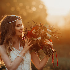 Wedding photographer Lena Suetina (yaratam). Photo of 01.06.2015