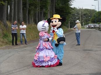 2017.06.25-016 Hello Kitty et Mickey