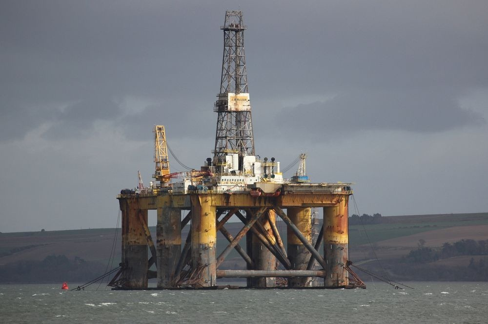 cromarty-firth-oil-rigs-3