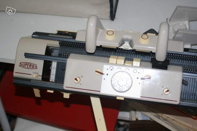 superba knitting machine