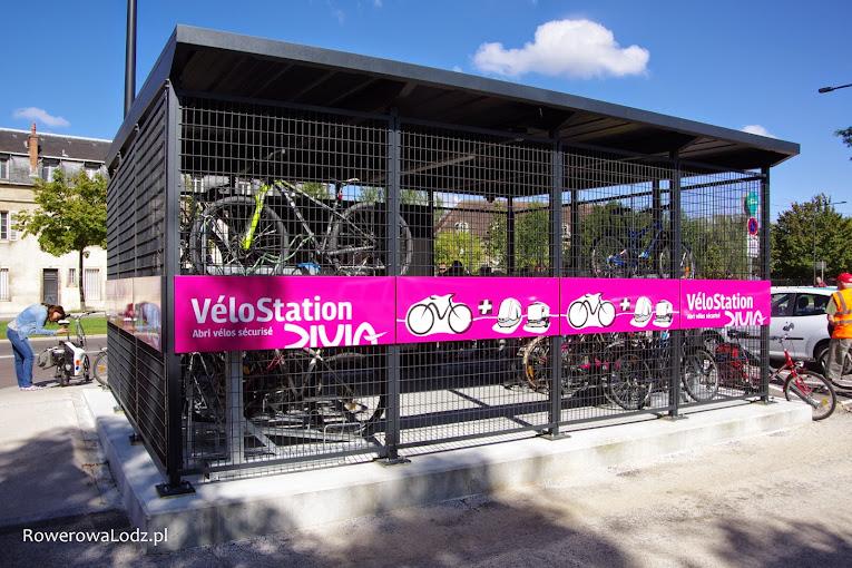 Miejski zadaszony parking na rowery