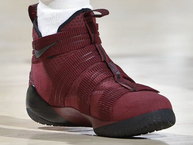 the best attitude 3660b 6f610 LeBron James Debuts New Nike Soldier 11 PE in Cavs Win ...