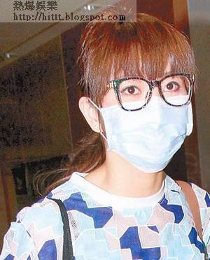 昨日,吳若希如常探望母親,並向記者公布好消息。