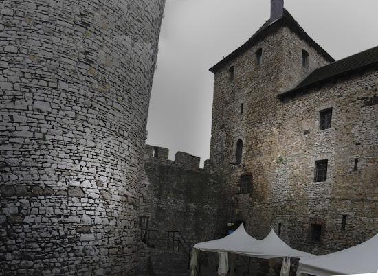 zamek będzin dziedziniec