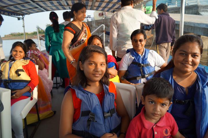 Omkareshwar and Hanmuntiya water resort - DSC06596.JPG