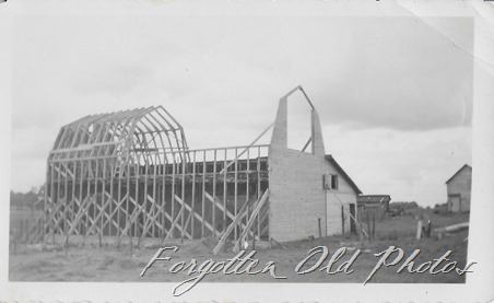 Barn building Pequot Lakes ant