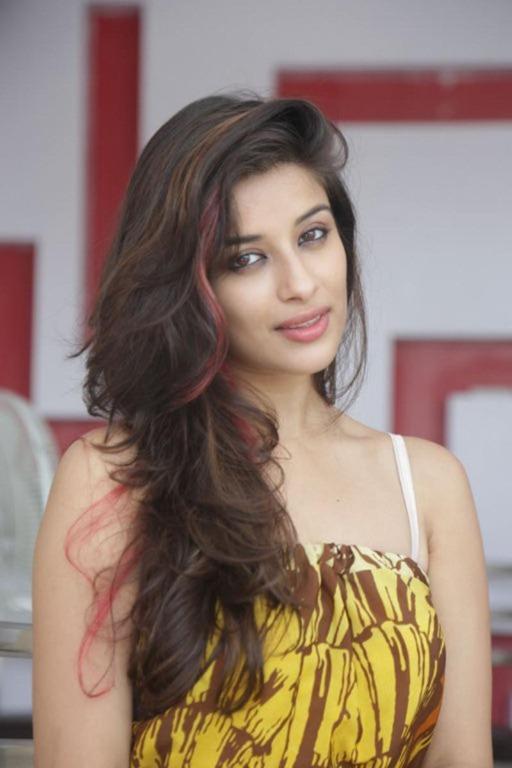 Madhu hot pics (57)