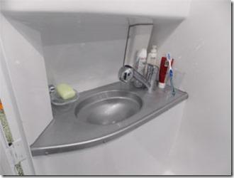 mini-camper-super-luxo-banheiro-4