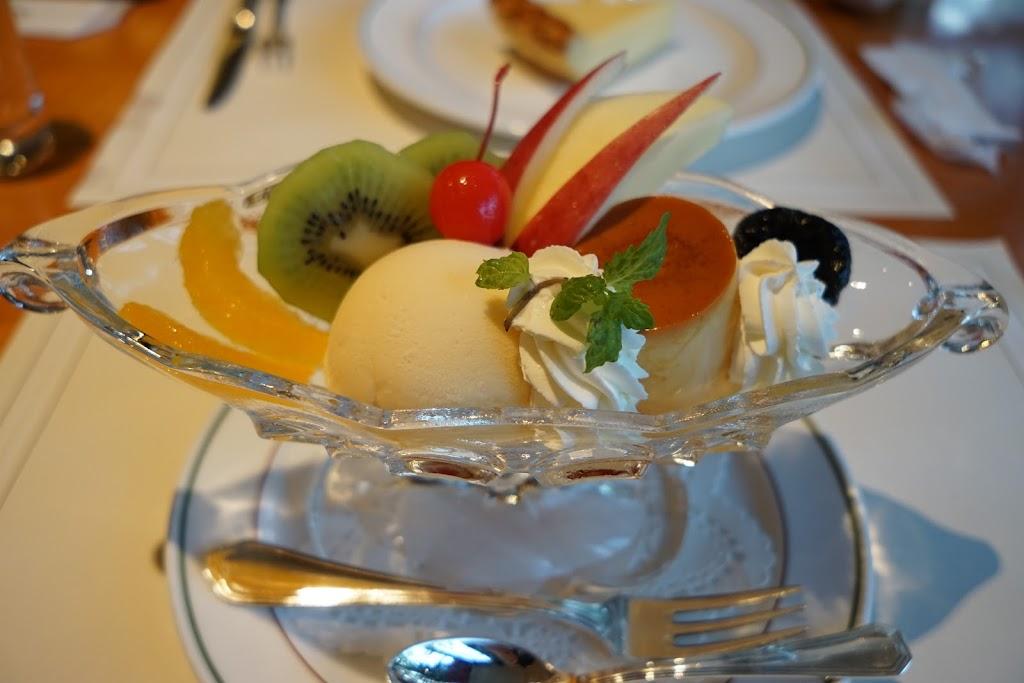 ホテルニューグランド_The Cafe_プリンアラモード_撮影:sonyα5100