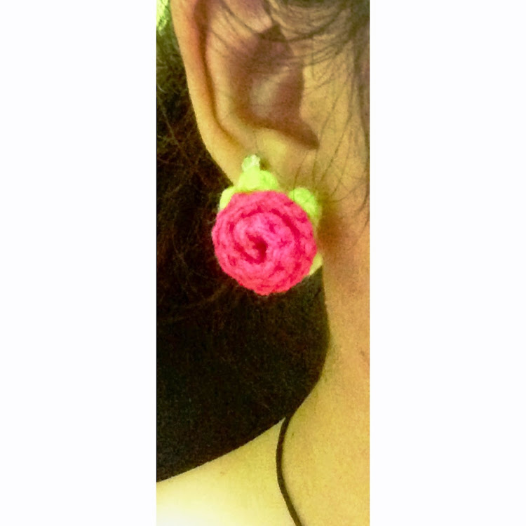 Rose bud earring by Ricincraft