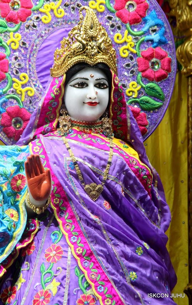 ISKCON Juhu Mangal Deity Darshan on 10th July 2016 (29)