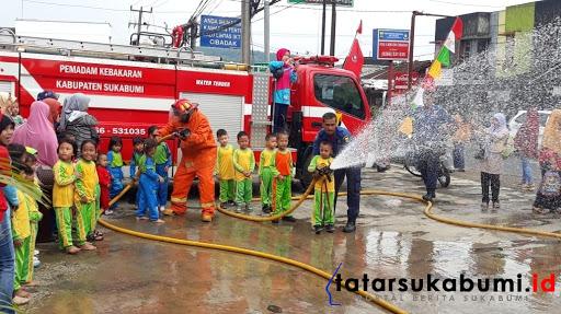 Pos II Damkar Cibadak Sukabumi // Foto : Isep Panji