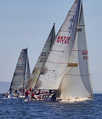 J/120 sailing offshore race