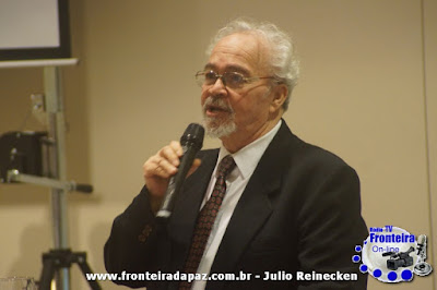 Danilo Ucha no Hotel Cassino Resort em evento festivo da Unicredi