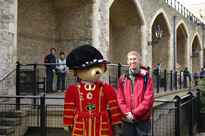 Douglas with a beefeater at the Tower of London