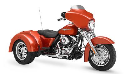 2011-Harley-Davidson-FLHXXX-Street-Glide-Trike