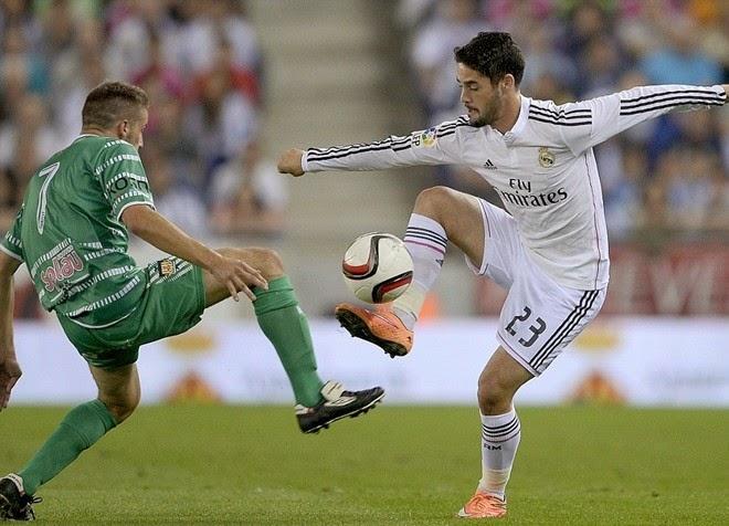 Chicharito lại lập công trong chiến thắng đậm của Real
