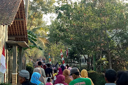 Jalan Sehat Warga Desa Candi Gemiwang Karanganyar Kebumen Dalam Perayaan HUT RI ke-74