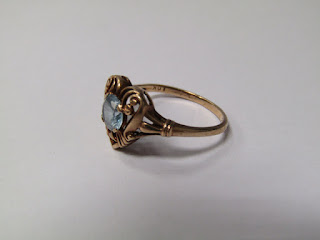 10 K. Gold & Blue Stone Ring