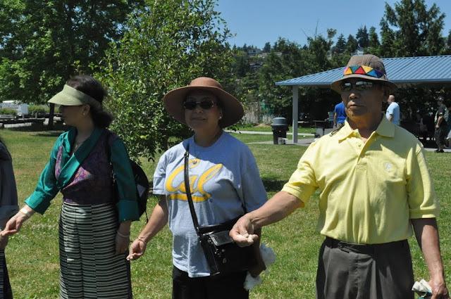 TAW celebrating H.H the Dalai Lama Bday at Magnuson Park 2011 - Trungkar--Magnuson%25252520park%25252520034.JPG