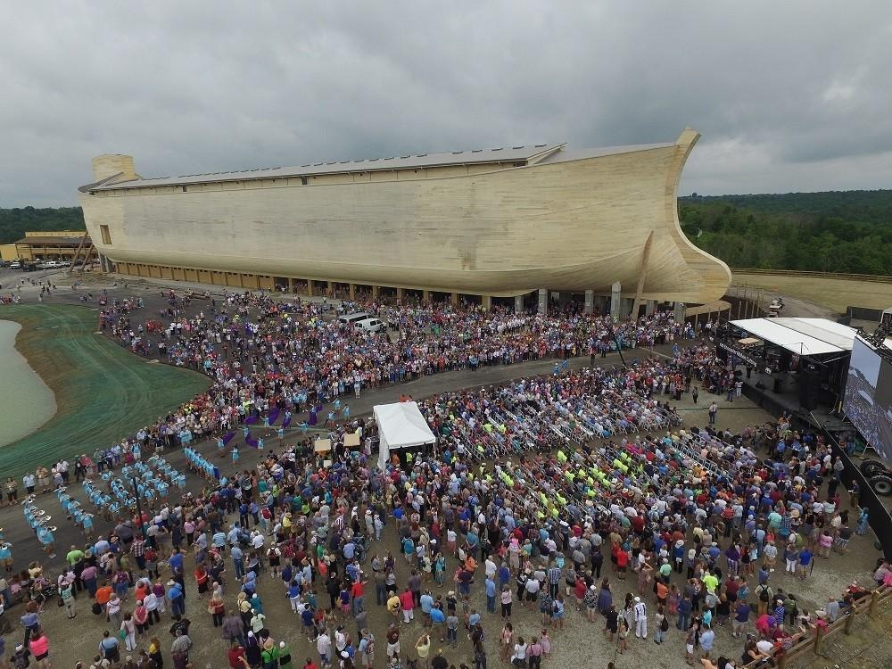 Life Sized Noah S Ark At Theme Park In Kentucky Amusing