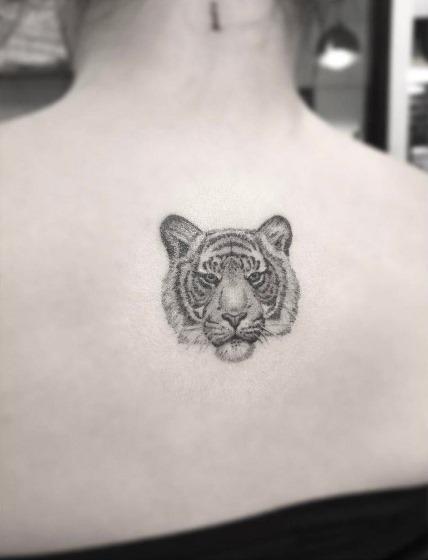 este_pequeno_dotwork_tatuagem_de_tigre