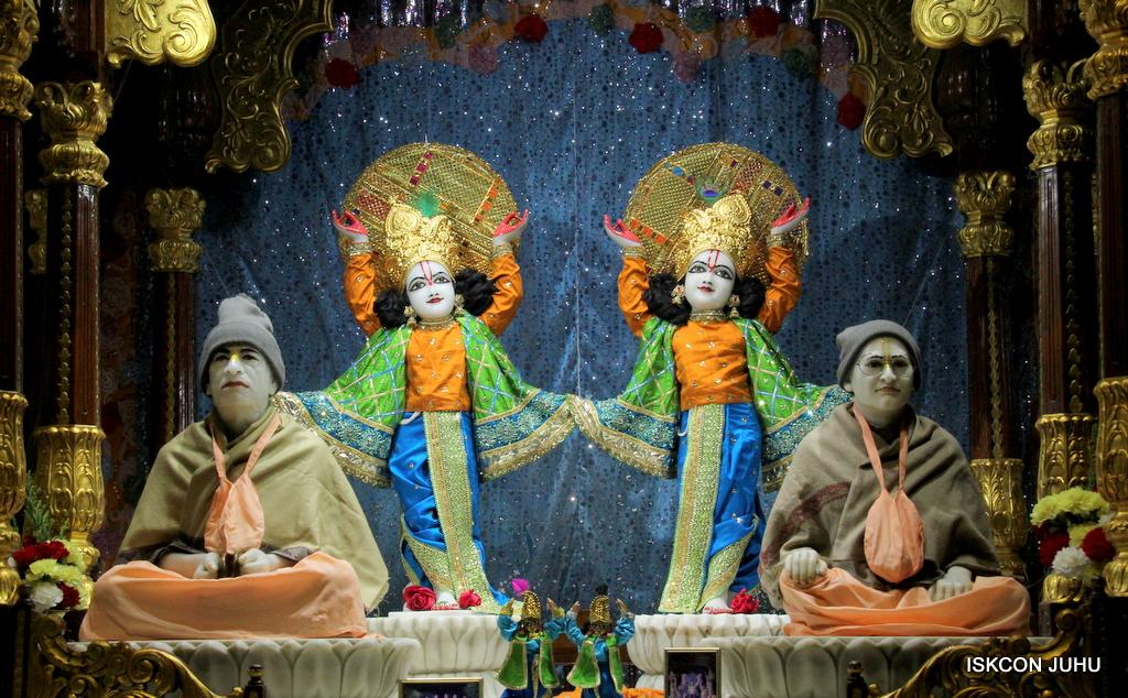 ISKCON Juhu Mangal Deity Darshan on 20th Jan 2017 (30)