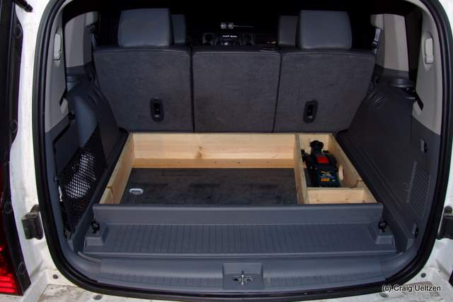 removing jeep commander 3rd row seating autos weblog. Black Bedroom Furniture Sets. Home Design Ideas