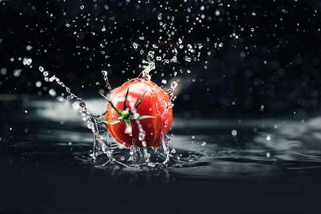 الطماطم ترطب البشرة