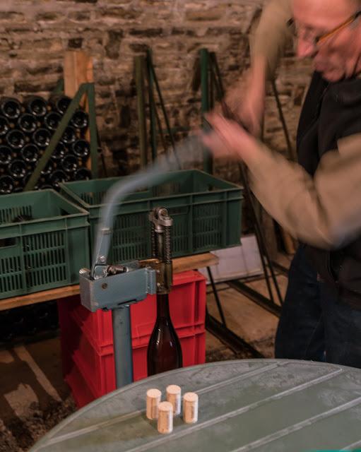 Embouteillage du chardonnay 2016. guimbelot.com - 2017-11-16%2BEmbouteillage%2Bdes%2Bchardonnay%2B-117.jpg