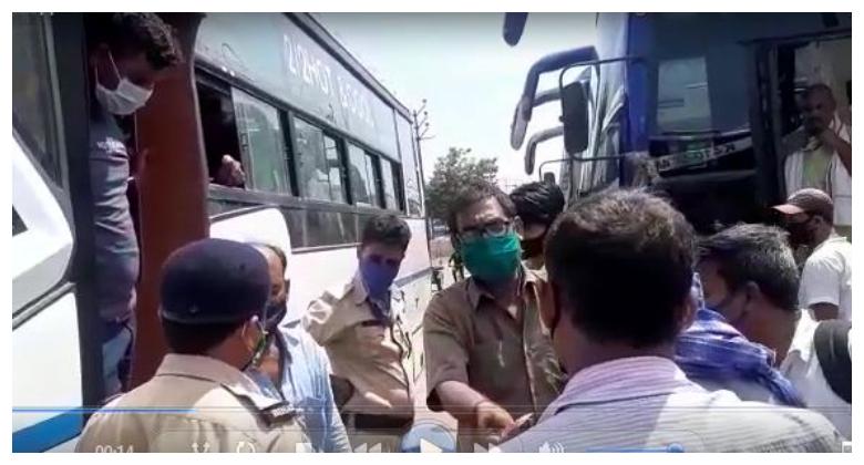 बसों में ना तो सैनिटाइजर थी और ना यात्री मास्क पहने थे, कई बसों में भेड़-बकरियों की तरह ठूंसे गए थे यात्री, परिवहन विभाग ने किया जब्त