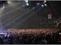 Kassán újra teltházas koncertet adott az Omega.jpg