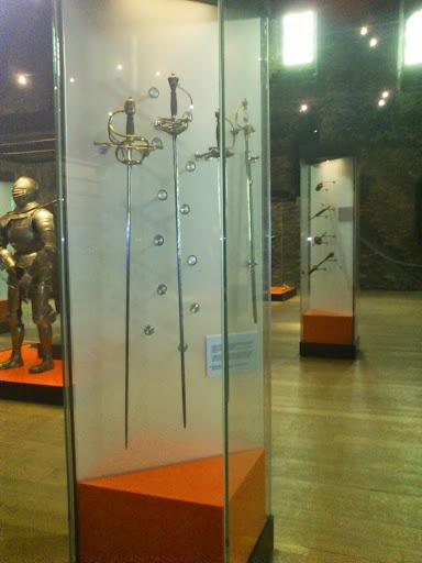 Colección de espadas