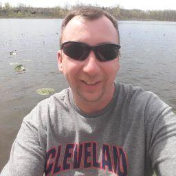 user Eric Nichols apkdeer profile image