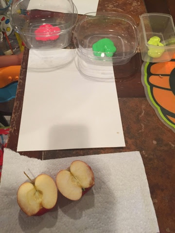 Painting with apples is the perfect way to use up some of the bruised or old apples that you have in your basket! This process art is perfect for the fall.