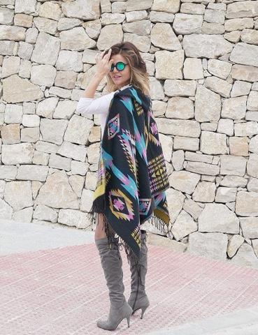 Capa-manta con capucha + botas mosqueteras