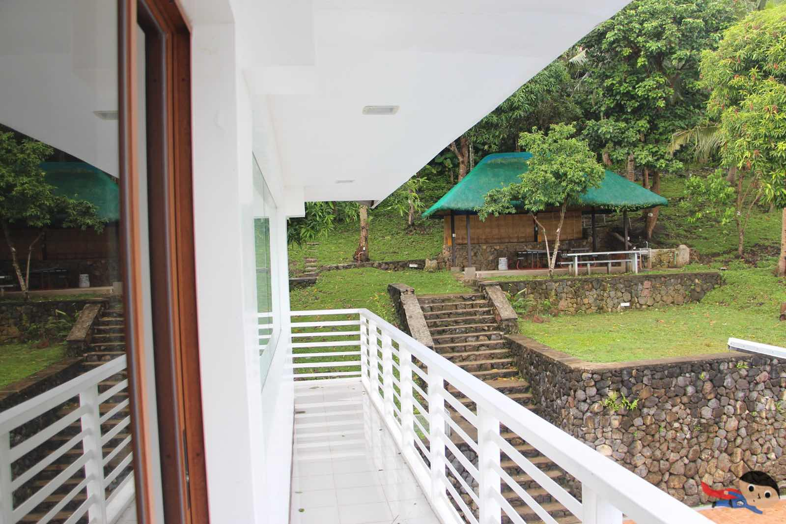 Balcony of Jamaica Peak Resort in Laguna