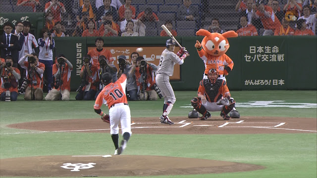 【動画】ドルトムントの香川真司、始球式でフォークボール