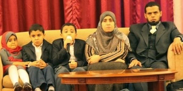 Ibu Dan Bapa Kepada 3 Hafiz Termuda Ini Kongsi Tips Untuk Kuatkan Ingatan Anak.jpg