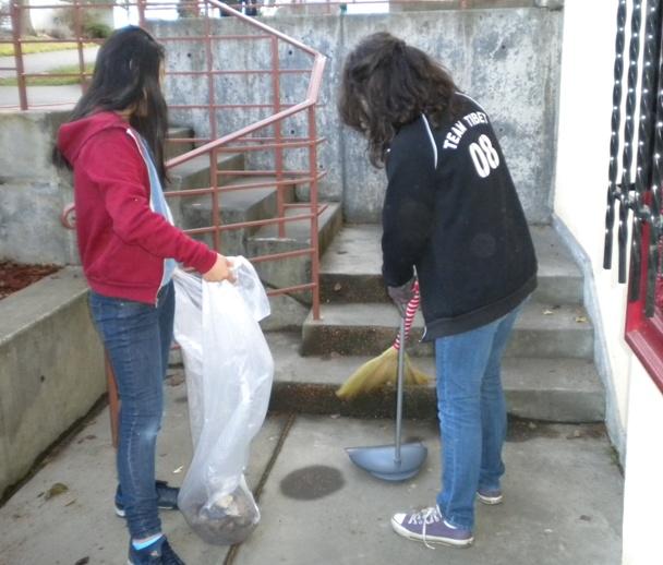 Sunday School - Clean Up Day! - Clean%2BUp%2BDay%2B--%2BDec.%2B19%252C%2B2010%2B015.jpg