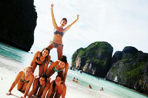 Make your own souvenir photo of 'The Beach'
