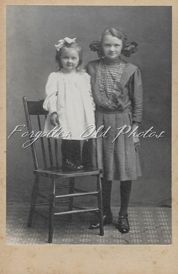 Myrtle and Evelyn Leithe Eliz ant