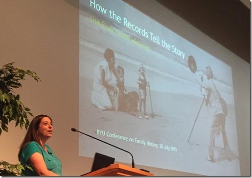 Lisa Elzey在2015年拜访家庭历史和技术会议上教会了一系列会议。