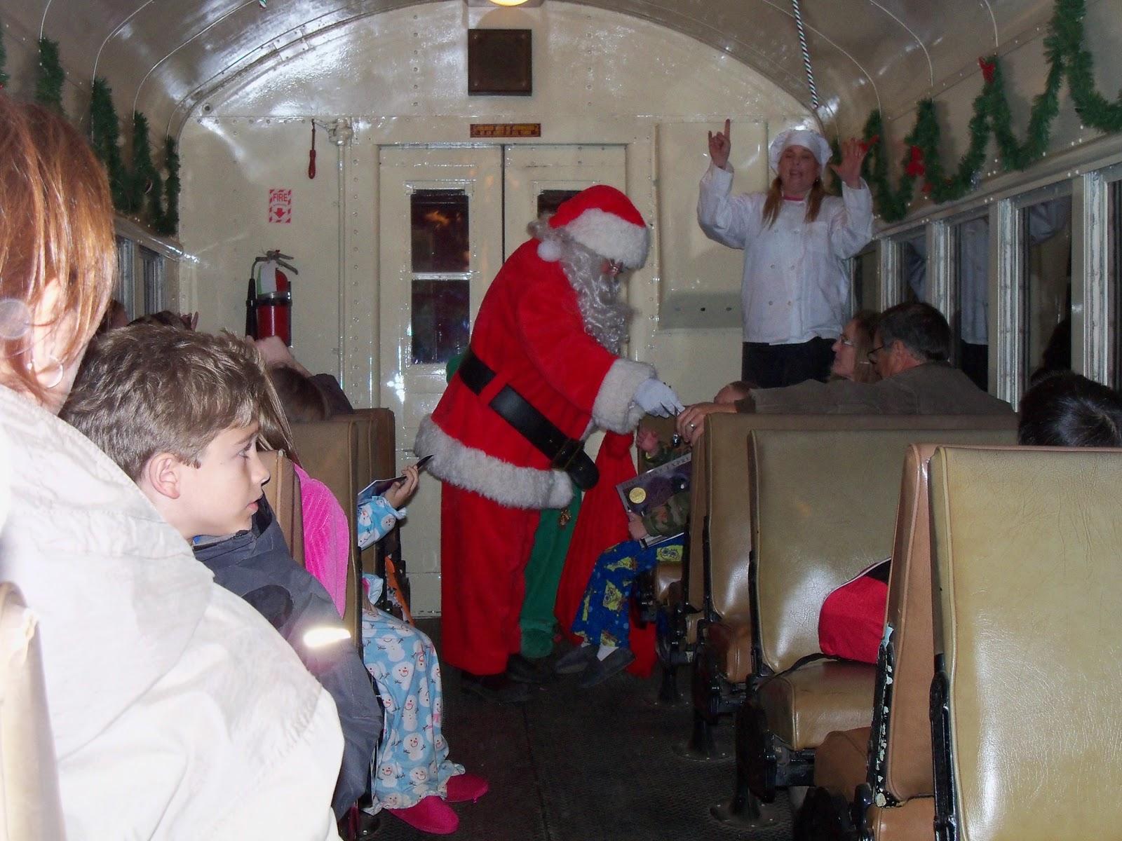Polar Express Christmas Train 2010 - 100_6316.JPG