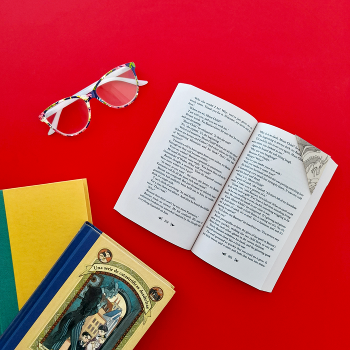 books, reading, bibliophile, art, drawing, vintage, retro, dragons, drawing, red roses, ex libris, corner bookmark