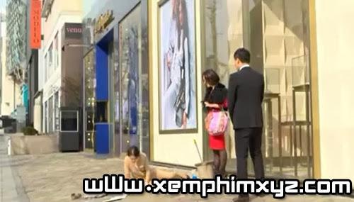 """""""Người đàn bà xảo quyệt"""" Lee Min Jung bị đánh ghen giữa phố 2"""
